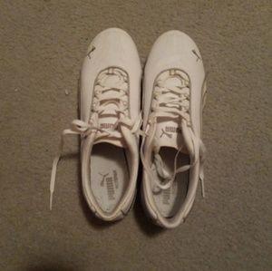 Women's Puma Shoe